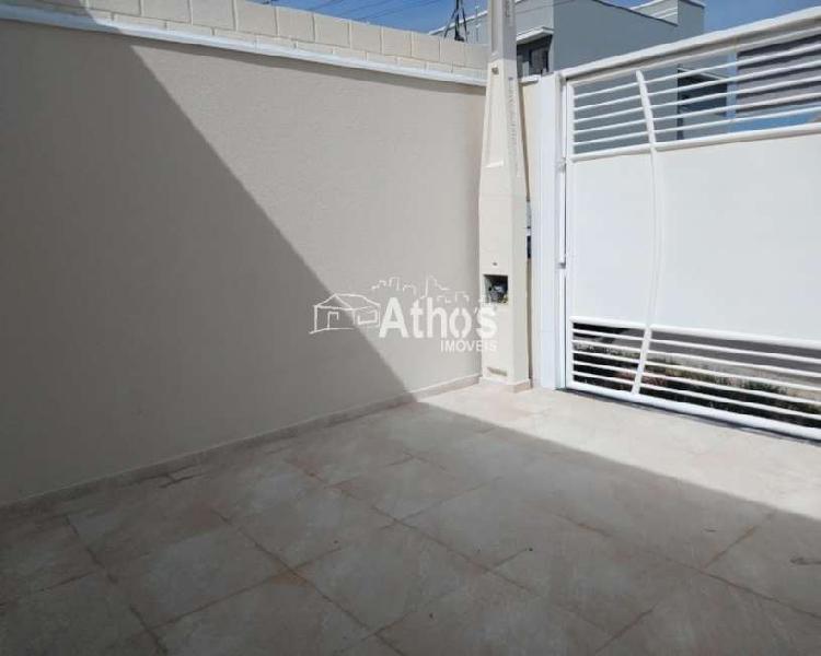 Linda casa térrea no jardim residencial veneza,