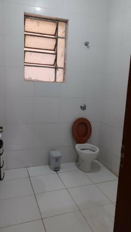 Quarto com banheiro individual *
