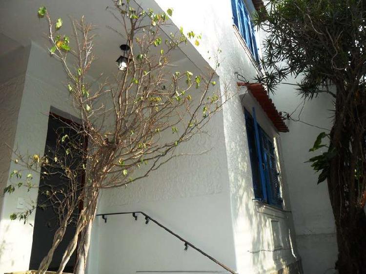 Urca - aluga-se casa no melhor bairro do rio de janeiro.