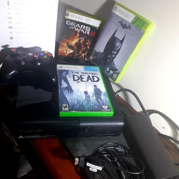 Xbox 360 slim com controle sem fio e bateria recarregável +