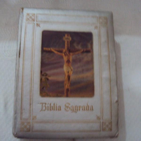 Biblia sagrada nova edição papal em 1971 - 1292 paginas