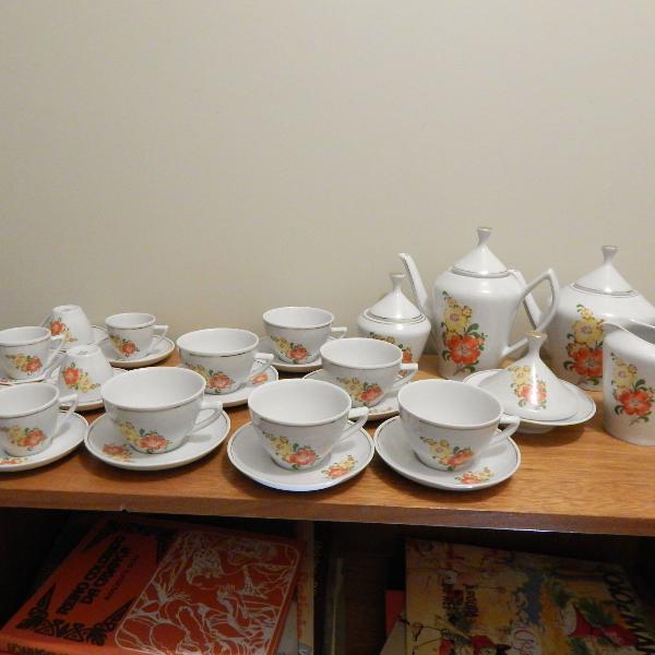 clássico jogo de porcelana de chá e café completo