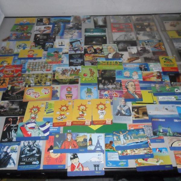 Coleção com 217 cartões telefônicos