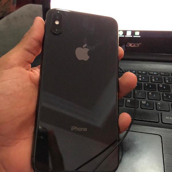 Iphone xs max 64gb preto semi novo com carregador original