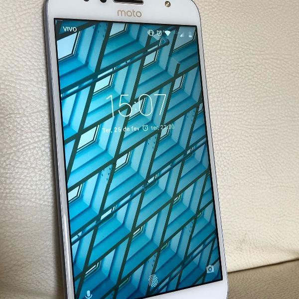 Motorola g5s plus quase novo!