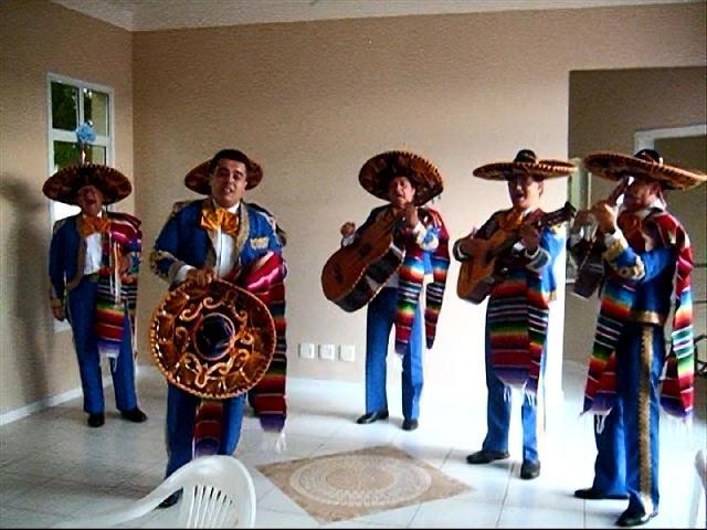 Banda musical mexicana mariachis