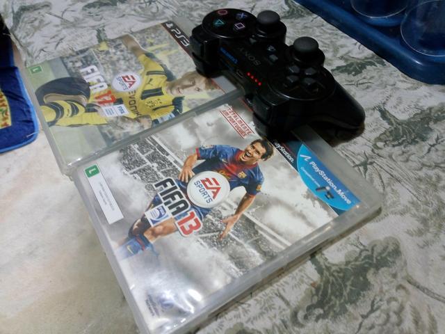 Controle e 2 jogos ps3