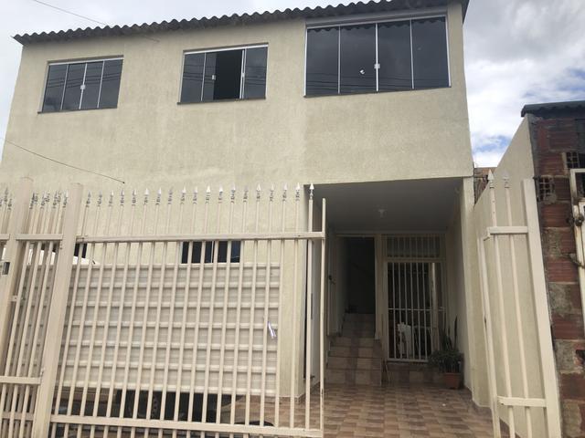 Particular alugar casa 2 quartos e garagem. rua 5. rua da