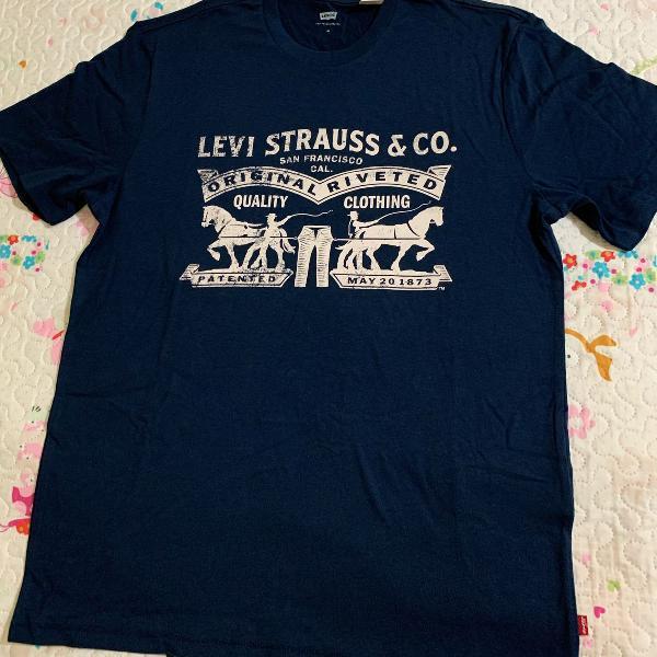 Camiseta levis original azul marinho com desenho
