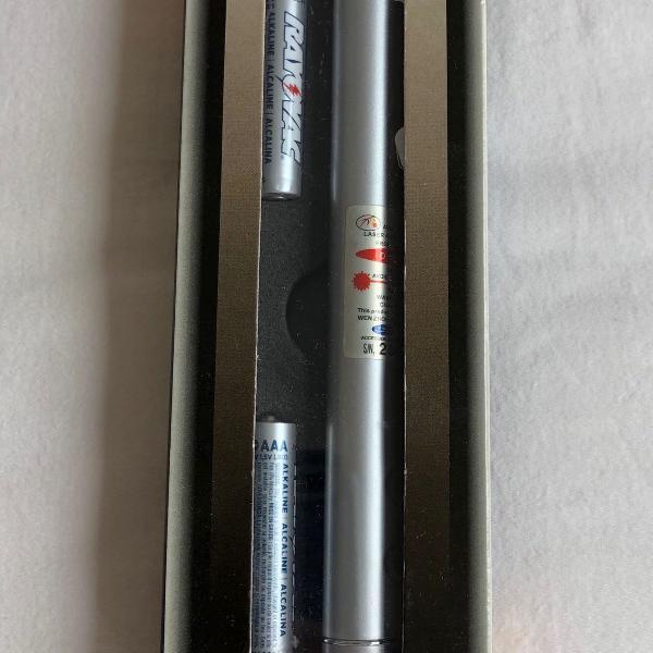 Laser pointer com led para leitura
