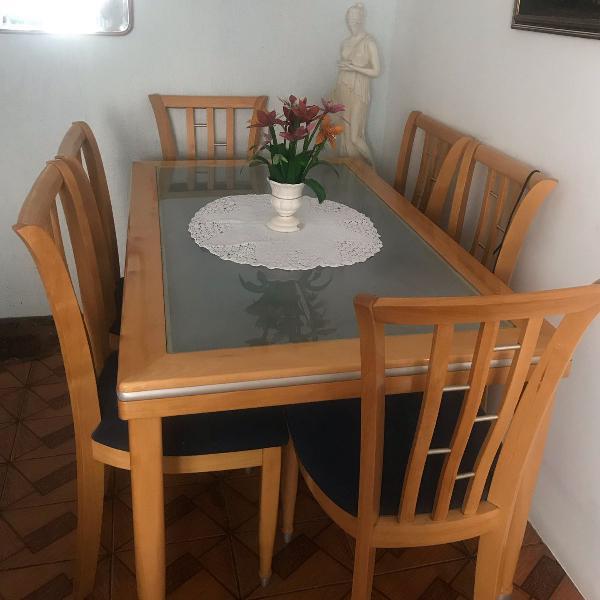 Mesa de 6 lugares madeira maciça (retirar no local)