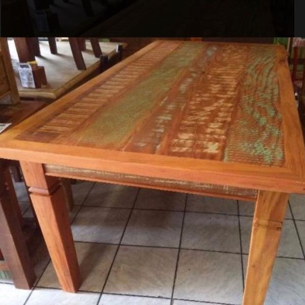 Mesa madeira demolição