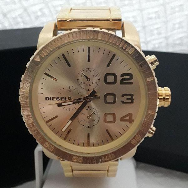Relógio diesel masculino dourado fundo dourado grande