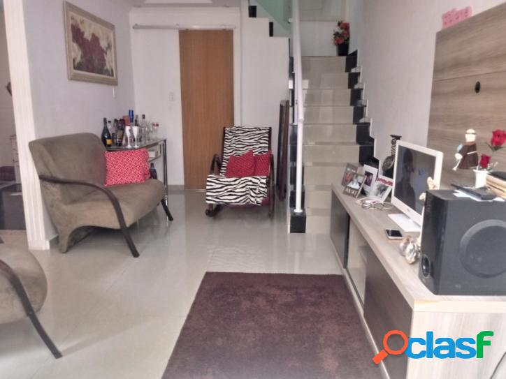 Casa duplex 2 quartos 03 banheiros e terraço cascadura