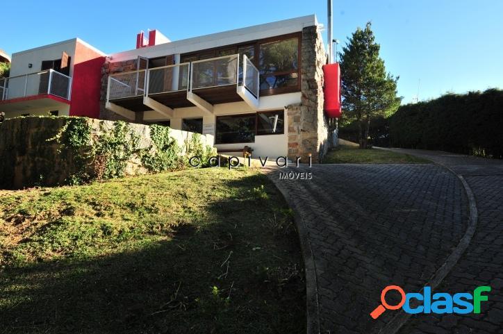 Casa em com 3 dormitórios localizada na região do alto da boa vista.