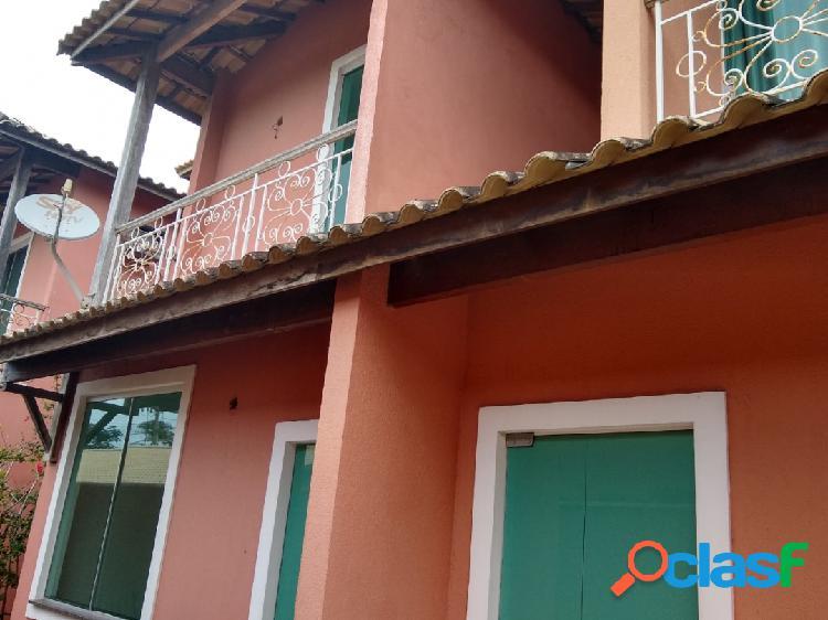 Casa duplex em condomínio nas palmeiras