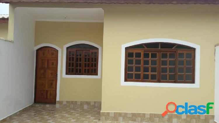 Ótima casa nova e ampla a 350m da praia em itanhaém litoral s/p !!!
