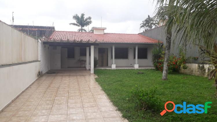 Casa em ótima localização a 450m da praia do jd cibratel itanhaém s/p