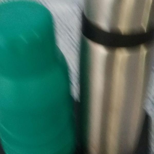 Garrafas termicas 1 verde /invicta 2 garrafa termica inox