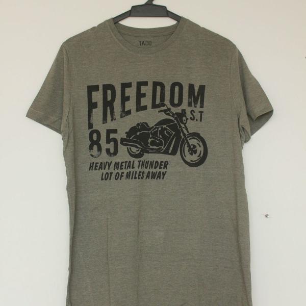 Camiseta masculina estampa de moto