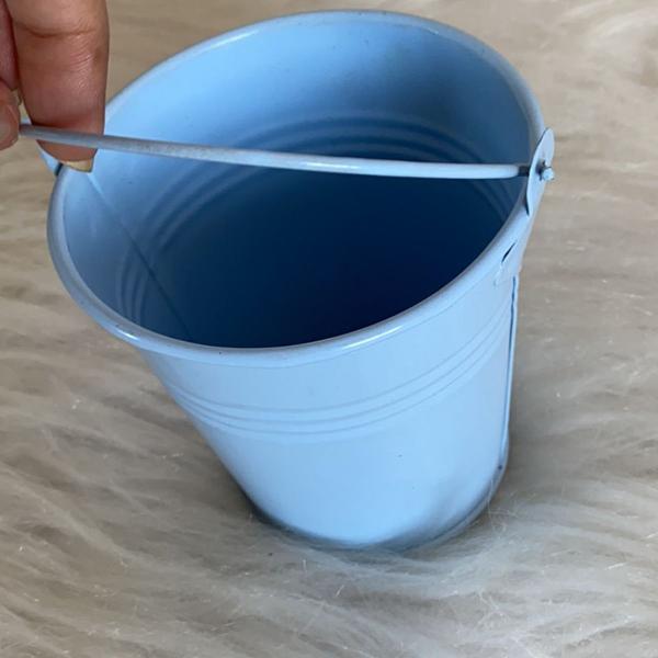 Porta treco de balde