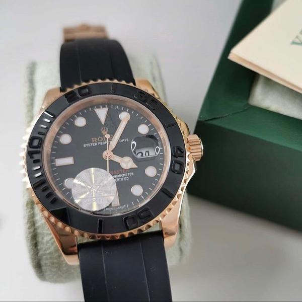 Relógio com pulseira em silicone