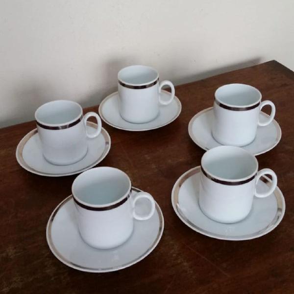 5 xícaras de café em porcelana renner