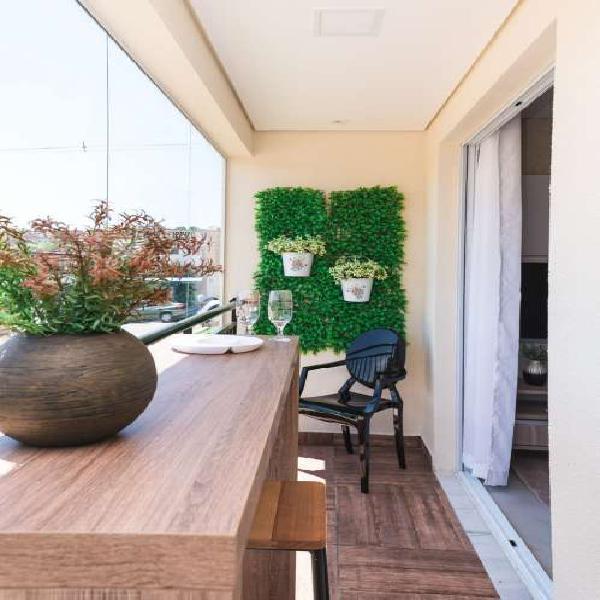 Apartamento próx estacão/ varanda grill