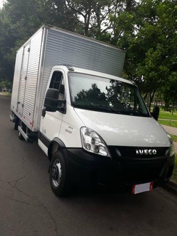 Iveco dailly camionete 35s14 baú 4 metros 2015 único dono