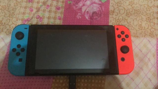 Nintendo switch 32 gb (pouco usado)