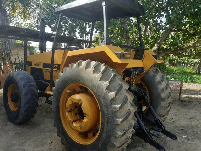 Trator valmet 4x4 motor mwm 4 cilindros