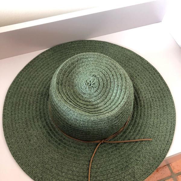 Chapéu de sol na cor verde oliva