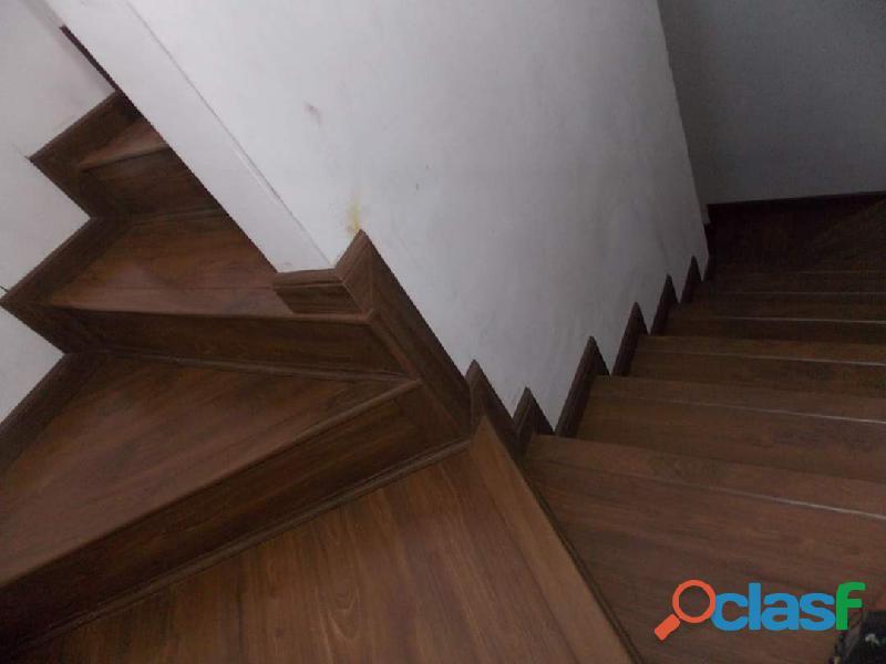 Instalador de piso laminado