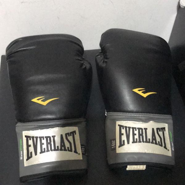 Luva de boxe/muay thai everlast pro style preto tam 14 oz.