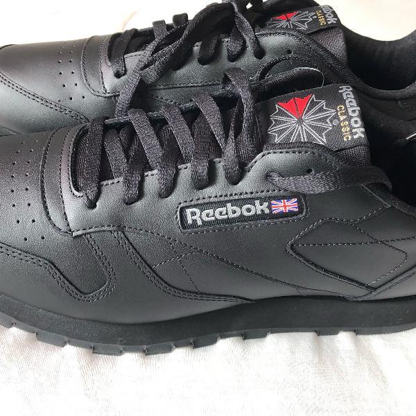 Tênis reebok classic importado com etiqueta e caixa tm 44