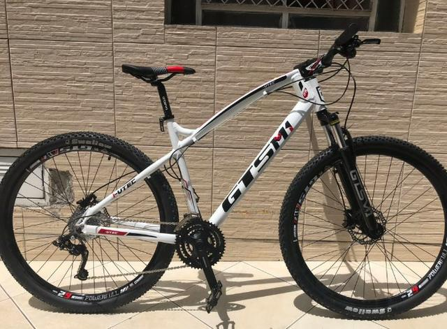 Bicicleta gts aro 29 freio a disco hidráulico 27 marchas
