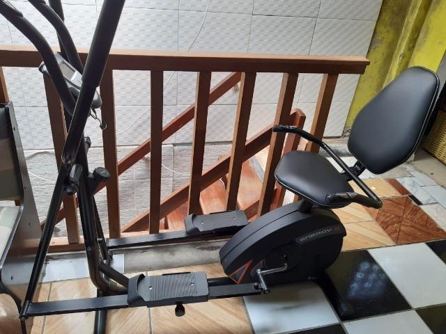 Bicicleta ergométrica com simulador de caminhada marca
