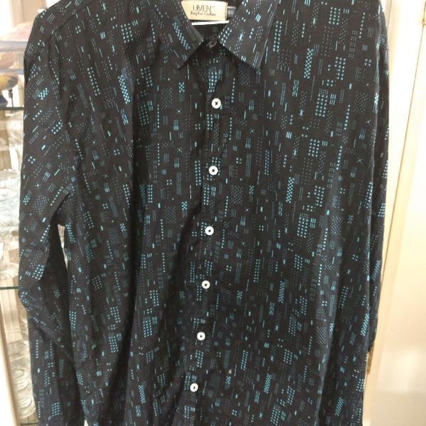 Camisa manga longa preta e azul claro