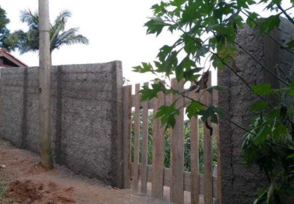 Terreno em atibaia - parcialmente murado pronto para