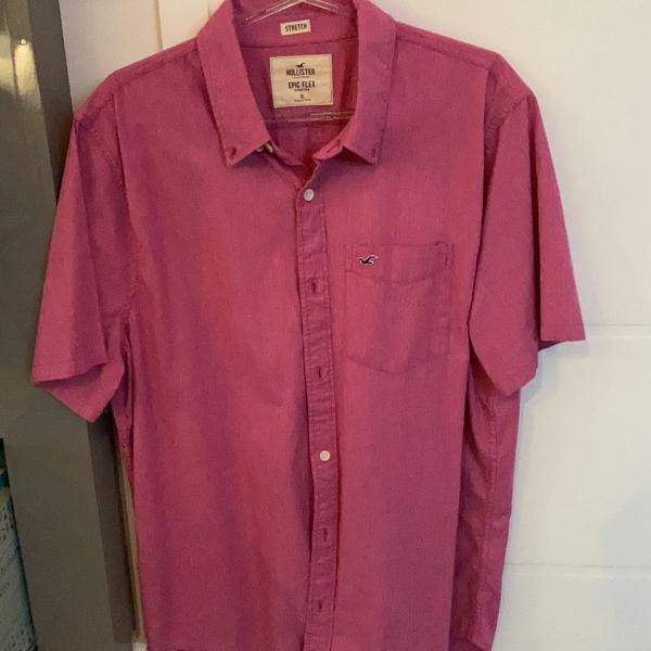 Camisa hollister rosa manga curta