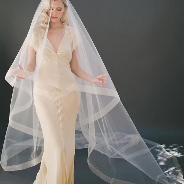 Véu mantilha 3 metros noiva casamento off white romântico
