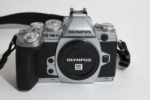Câmera mirrorless olympus om-d