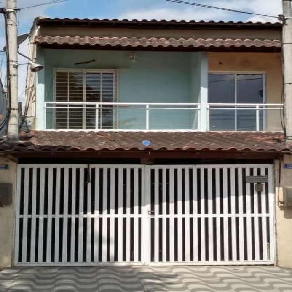 Excelente casa duplex trindade 2 quartos , 2 banheiros e um