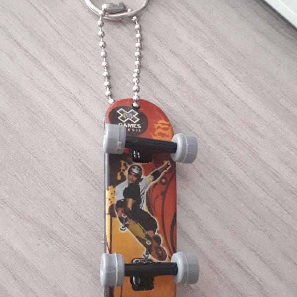 Chaveiro skate do sandro dias x games brasil
