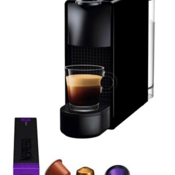 Máquina de café nespresso essenza mini com kit boas vindas