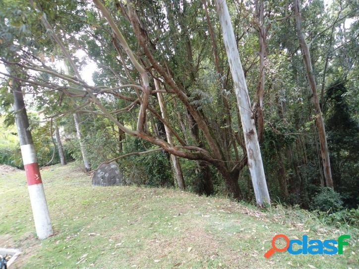 Terreno à venda no Residencial Tamboré 1 - 2735m² - Confira 3