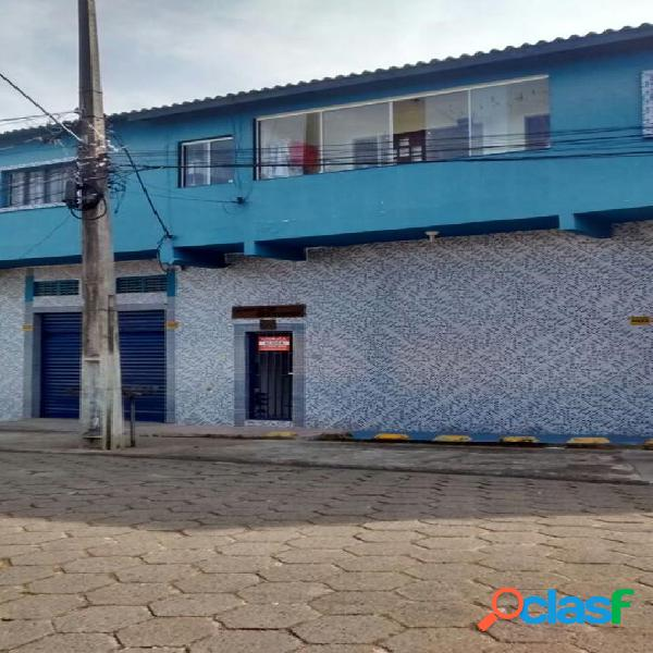 Apartamento em rua asfaltada a 800 metros do mar em itanhaém