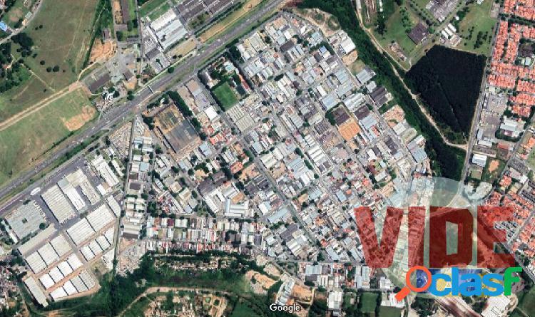 Galpão novo, em centro empresarial, com 1363 m², no Chácaras Reunidas, SJC 1