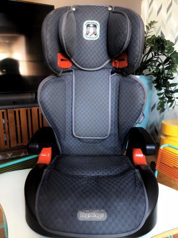 Assento infantil com encosto reclinável protege peg-pérego