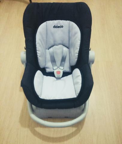 Bebê conforto + base de fixação